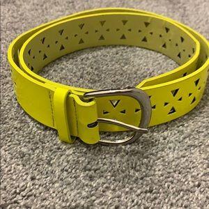 Neon yellow belt medium